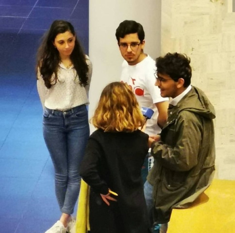 Esmeralda intervistata assieme ai vincitori